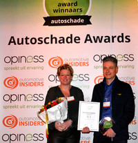 Harry Strampel en collega_ABS Autoherstel Kalsbeek_Regio winnaar Friesland_Autoschade awards 2016-1.jpg