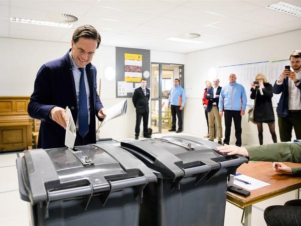 Rutte stembureau.jpg
